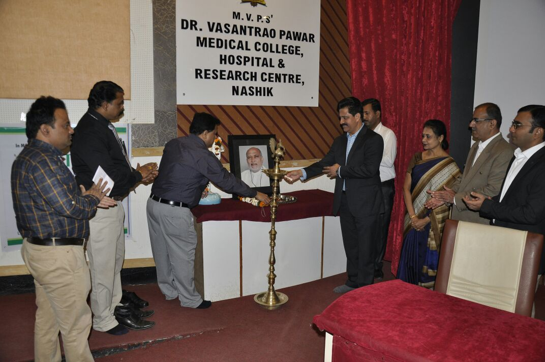 Dr. Jeevan Ladi lightening the lamps at Nashik Ophthalmic Society