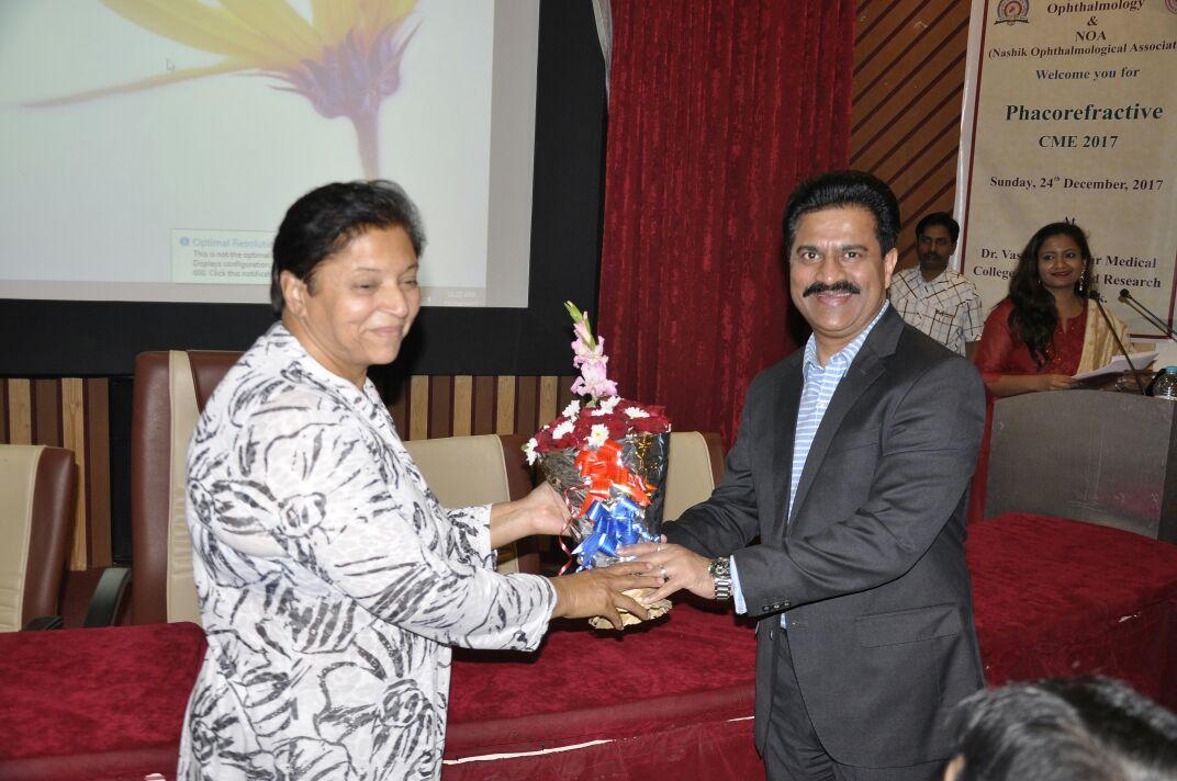 Dr. Jeevan Ladi praised Nashik Ophthalmic Society